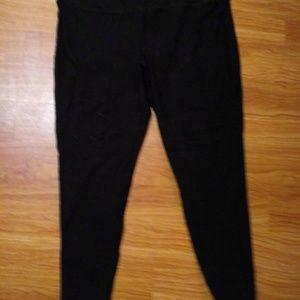 Black capre leggings